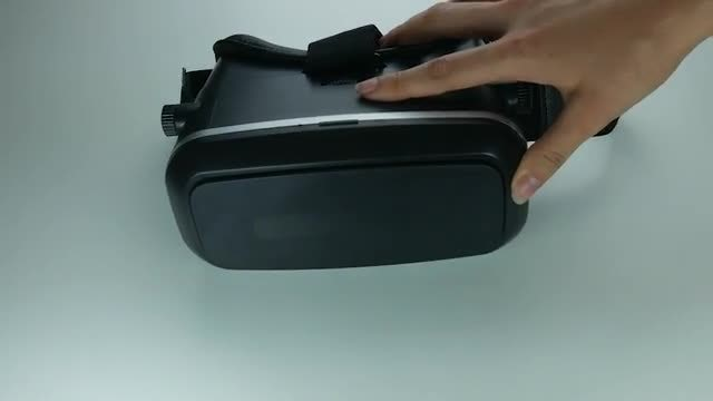 Buying Virtual Reality Glasses: Stock Video