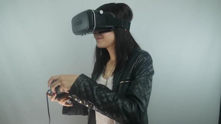 Girl Playing Virtual Reality Games : Stock Video