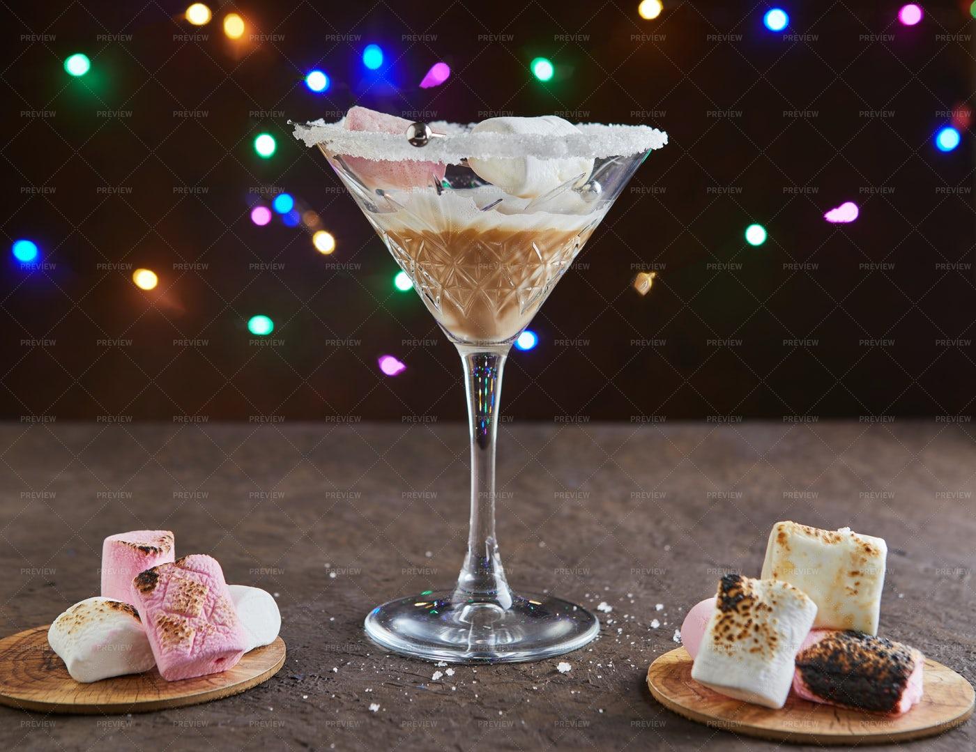 Irish Cream Liqueur With Marshmallows: Stock Photos