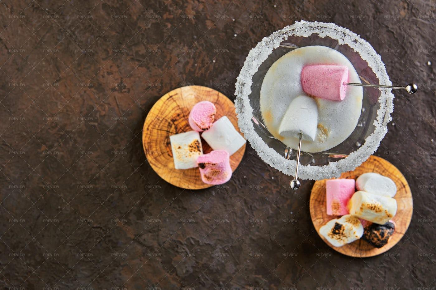 Irish Cream Liqueur: Stock Photos