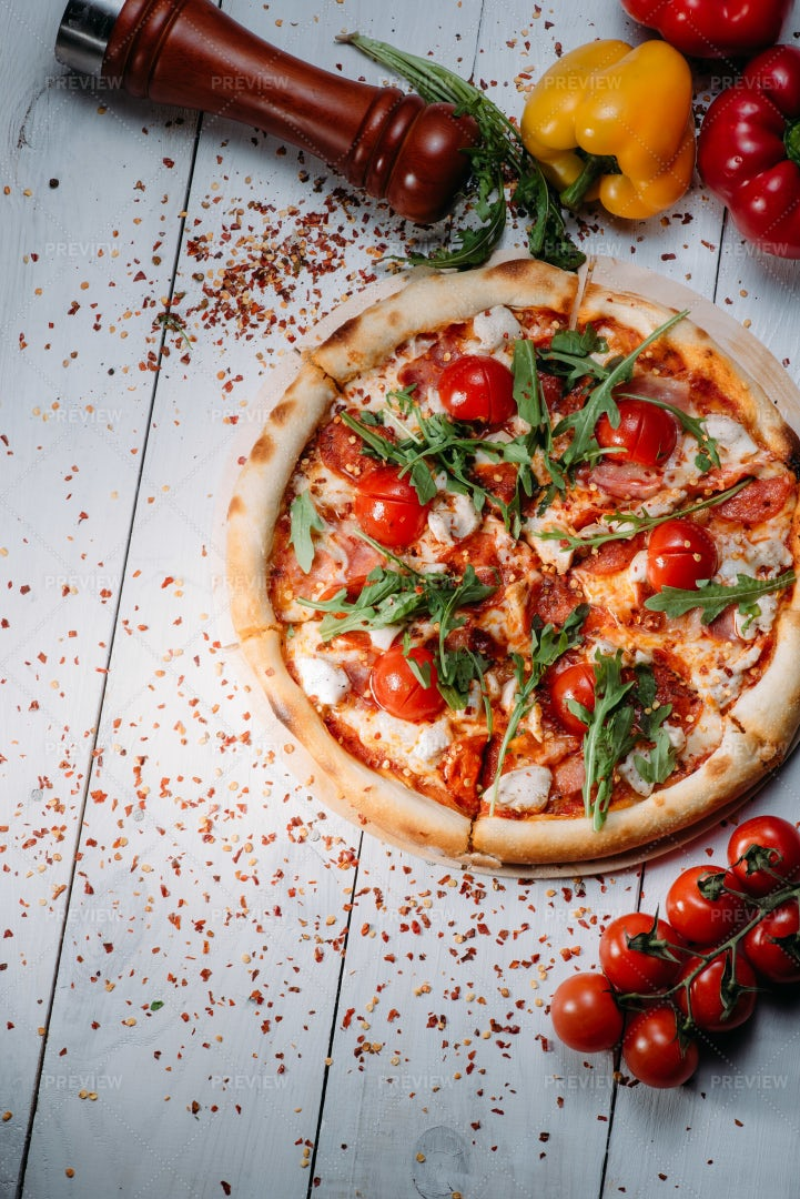 Pizza With Chicken, Tomatoes And Herbs: Stock Photos