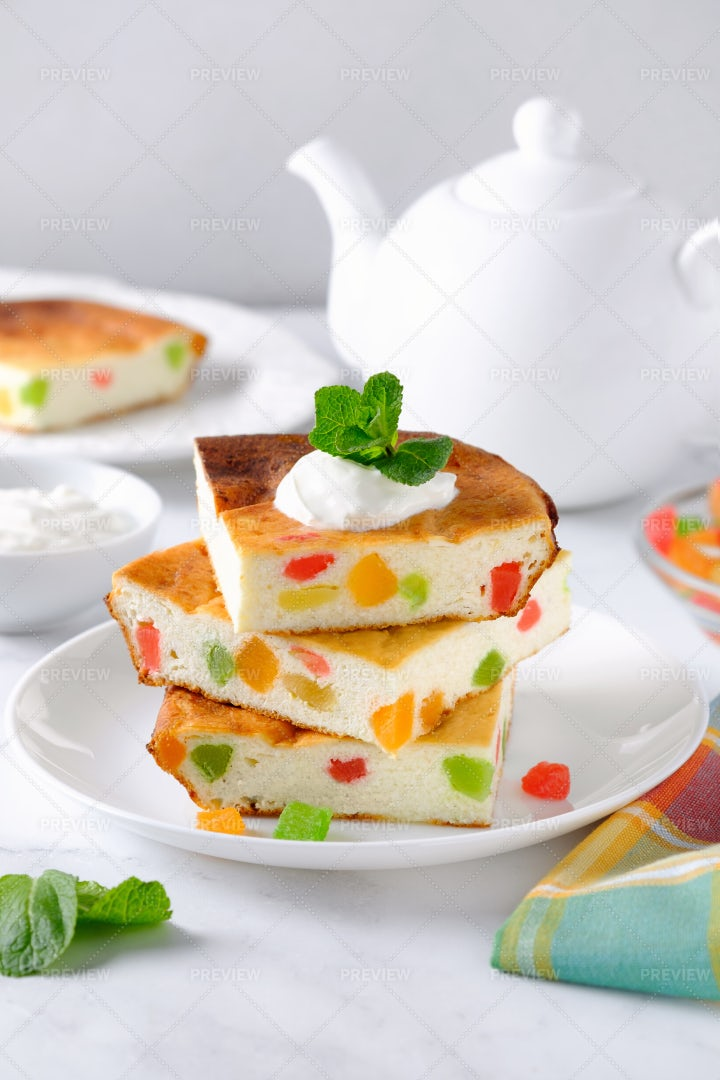 Cottage Cheese Casserole: Stock Photos