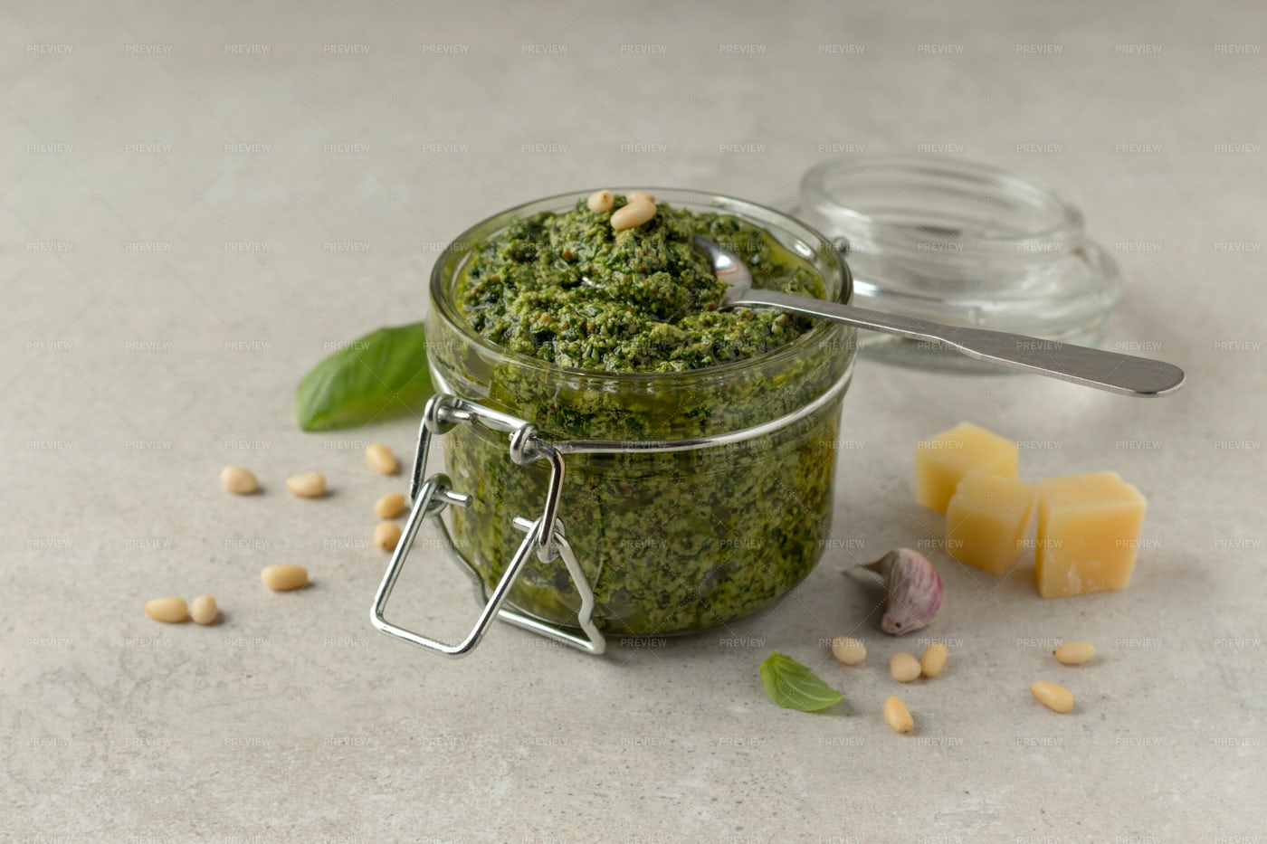 Classic Italian Pesto Sauce: Stock Photos