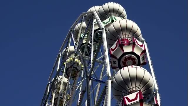 Ferris Wheel Closeup: Stock Video