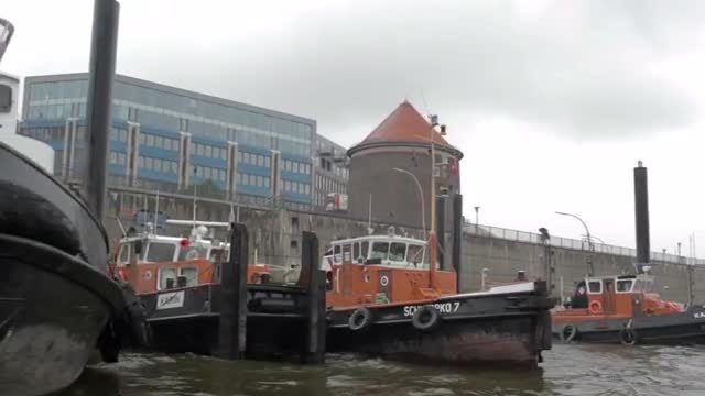 Sailing The Elbe River: Stock Video