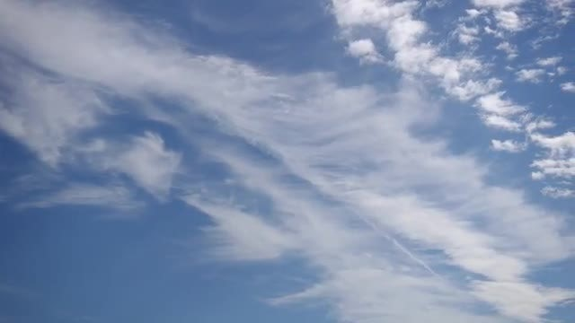 Time Lapse Of Feather-like Clouds : Stock Video