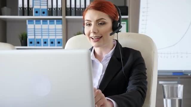 Customer Care Representative Answers Call : Stock Video