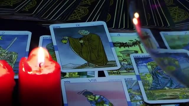 Woman Reading Tarot Cards : Stock Video