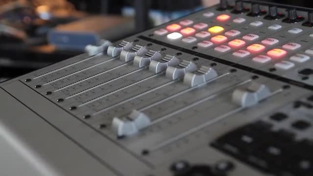 Automatic Audio Mixing Panel: Stock Video