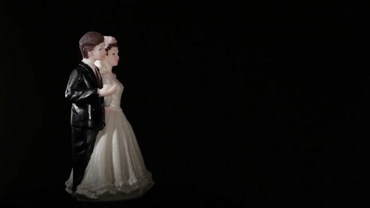 Wedding Cake Figurines: Stock Video