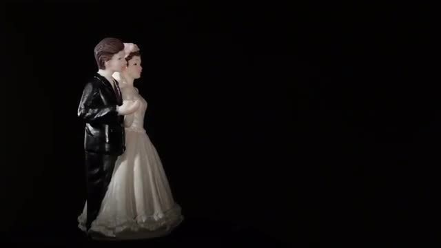 Wedding Cake Figurines: Stock Video