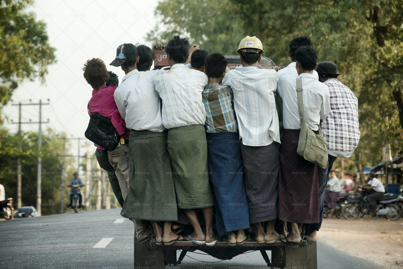Overcrowded Pickup Truck: Stock Photos