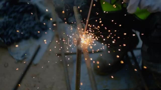 Welding Sparks: Stock Video