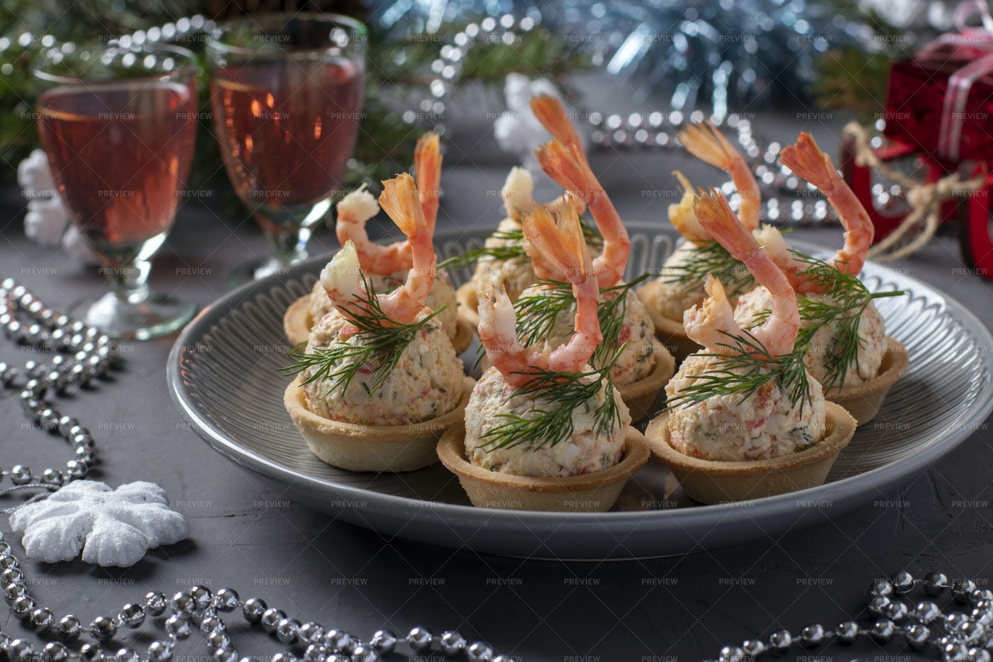 Tartlets With Crab Sticks And Shrimps: Stock Photos