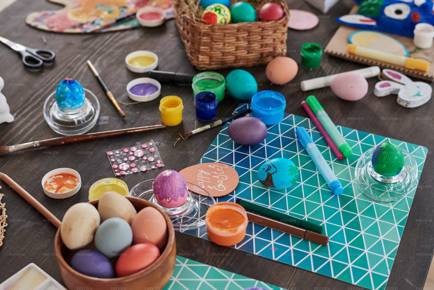 Decorating Eggs For Easter: Stock Photos