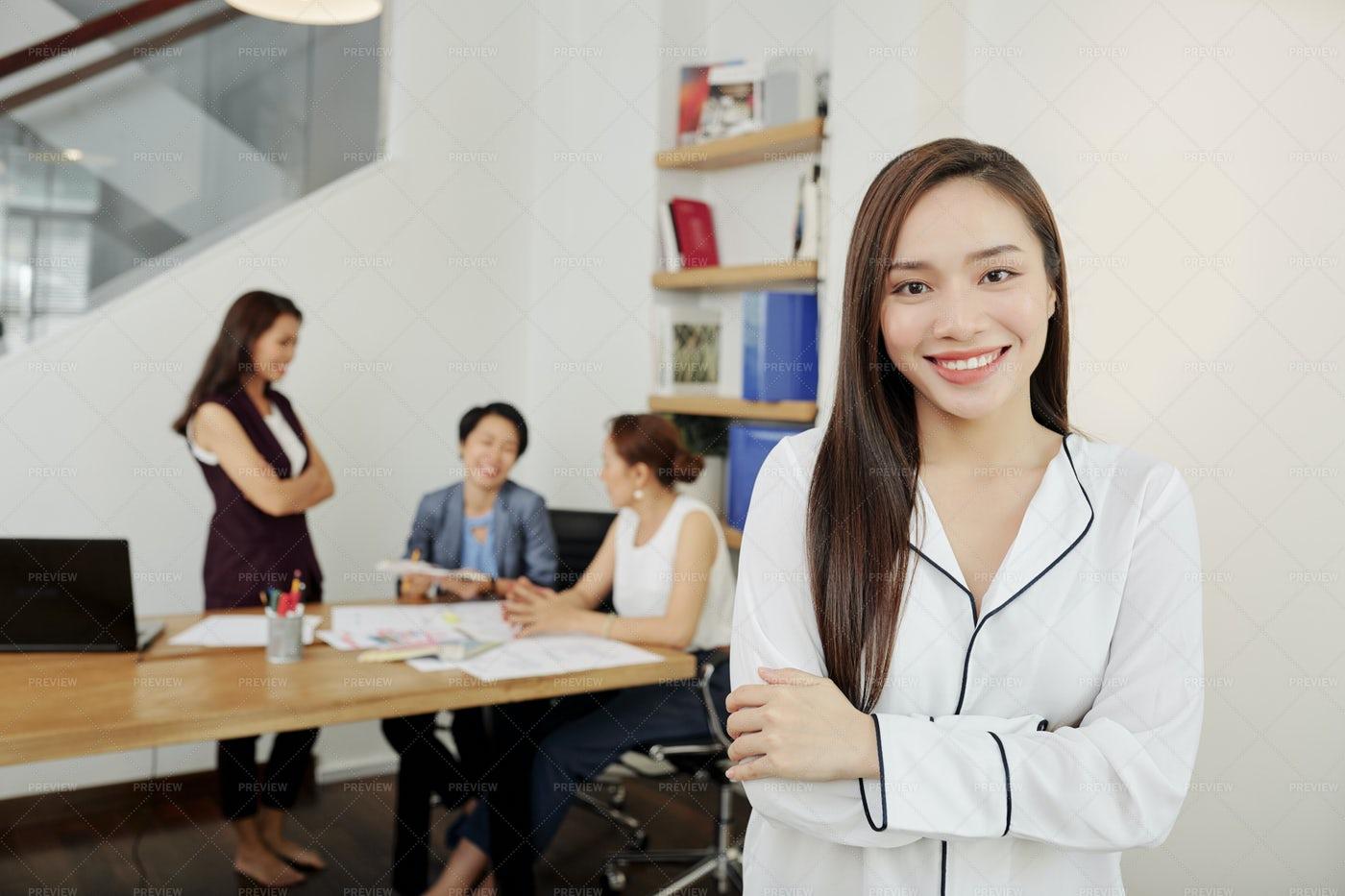 Business Lady Folding Arms: Stock Photos