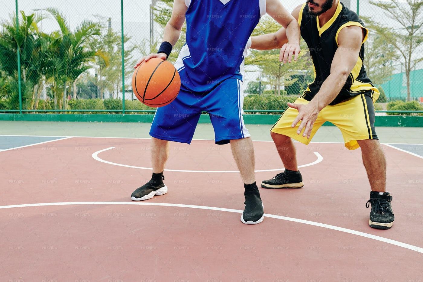 Men Playing Basketball: Stock Photos