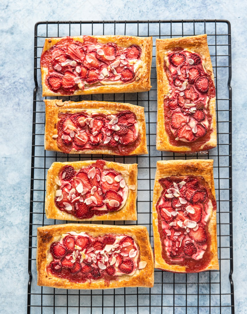 Puff Pastry With Strawberry: Stock Photos