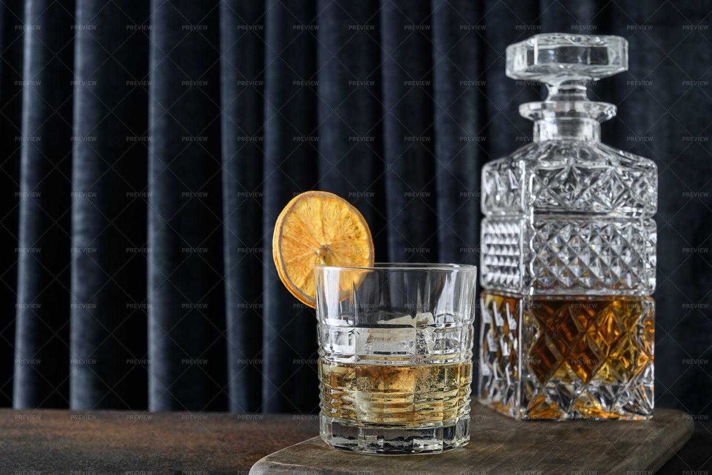 Cold Whiskey Garnish Orange Slice: Stock Photos