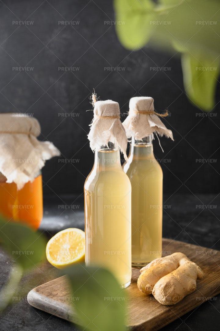Healthy Kombucha: Stock Photos