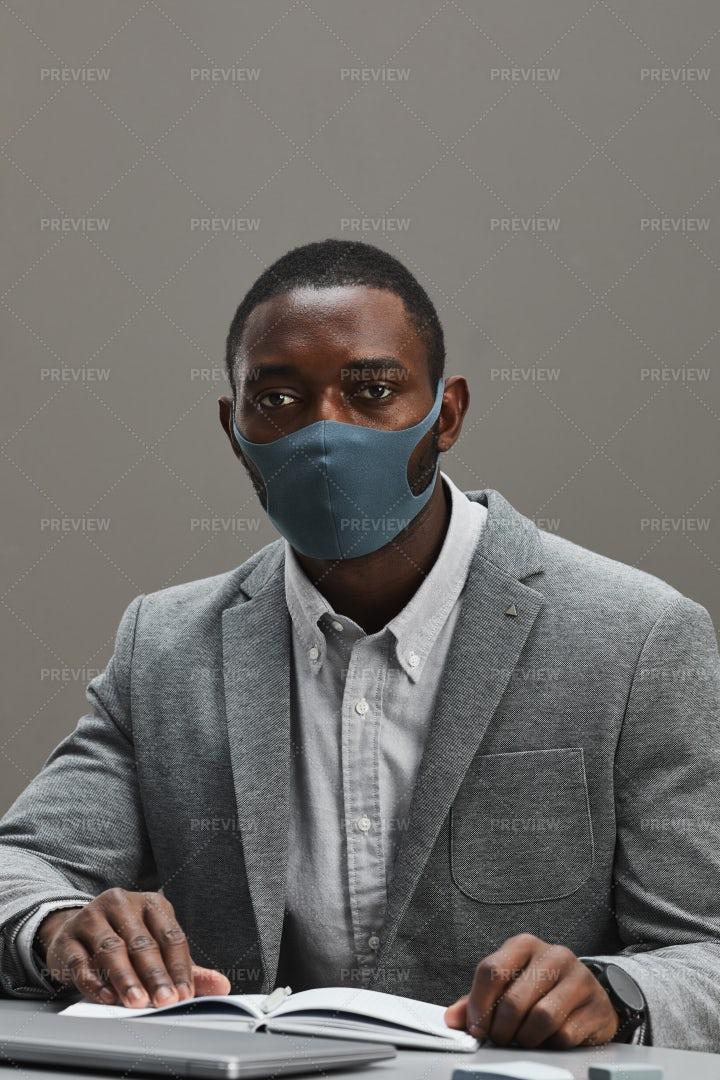 Businessman Wearing Mask: Stock Photos