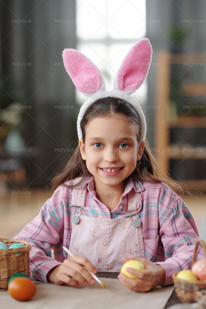 Girl Preparing For Easter: Stock Photos