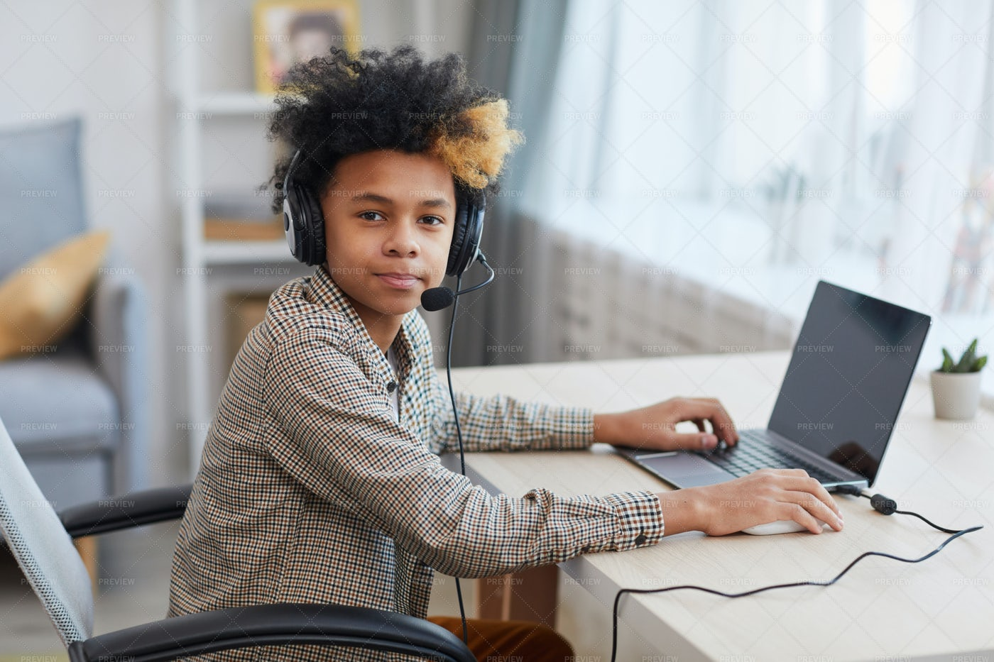 Young Gamer: Stock Photos