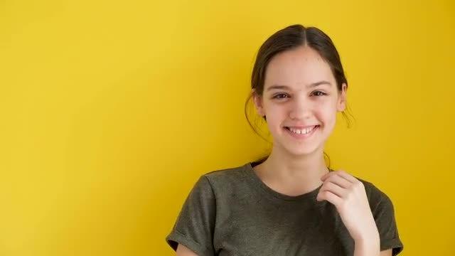 Cute Teenage Girl Laughing : Stock Video