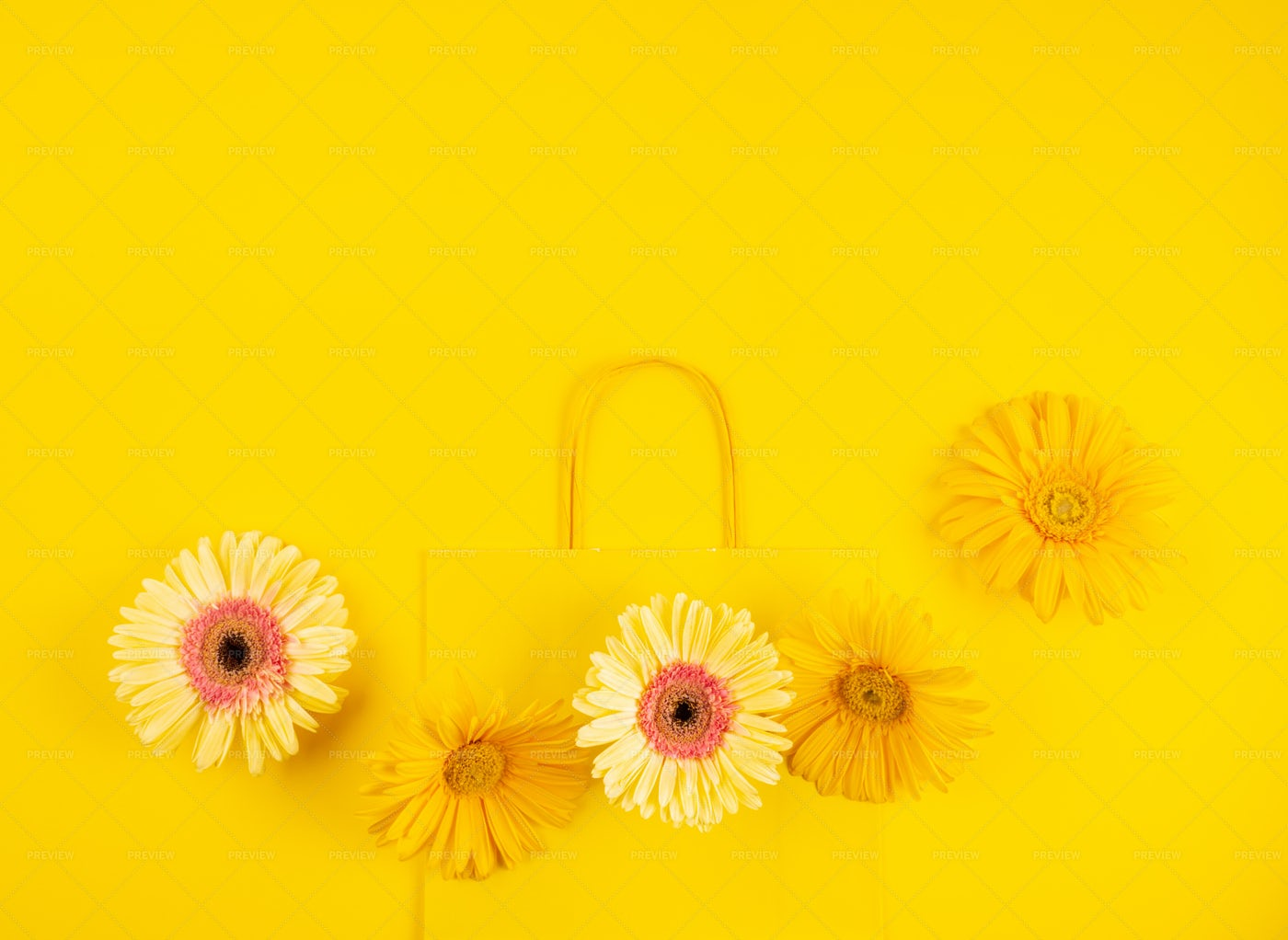 Yellow Paper Shopping Bag: Stock Photos