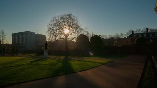 Kensington Palace and Gardens: Stock Video