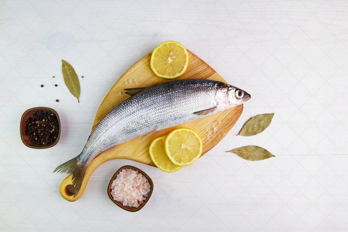 Raw Fresh Fish: Stock Photos