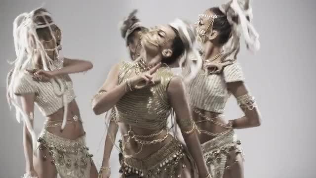 Glamorous Modern Ethnic Group Dance: Stock Video