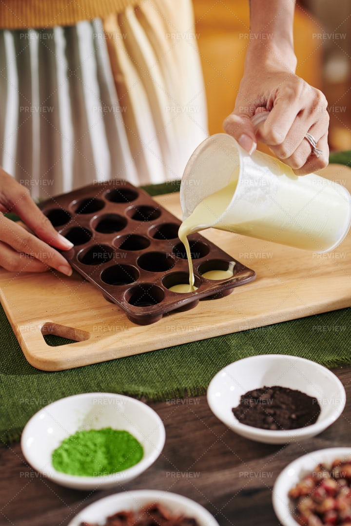 Making Small Soap Bars: Stock Photos