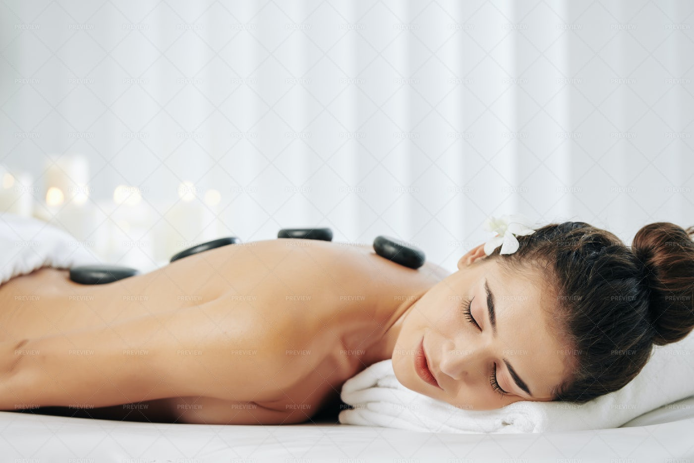 Relaxing Hot Stones Massage: Stock Photos