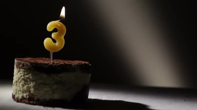 Number 3 Candle On Cake : Stock Video