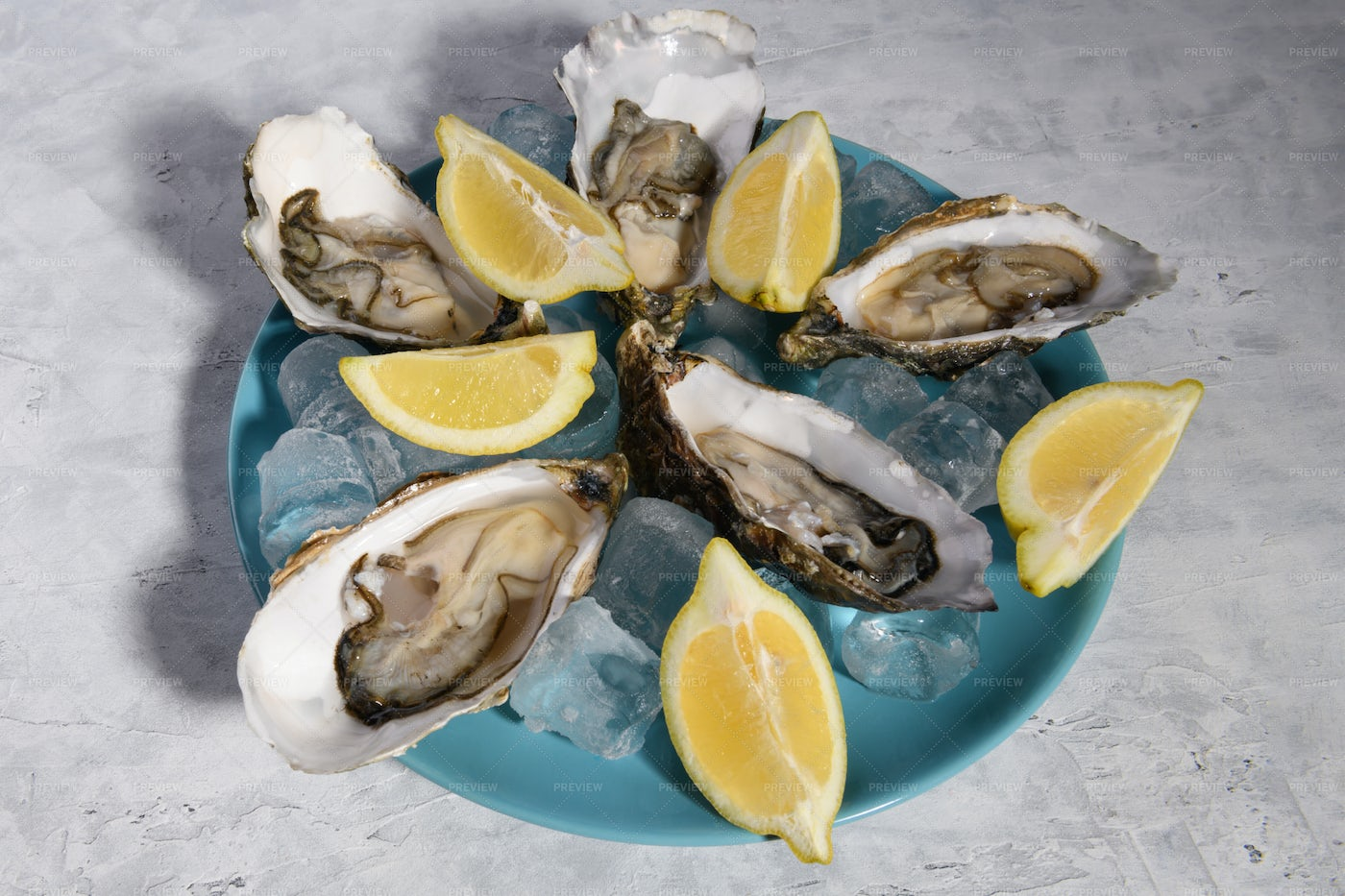 Oysters On A Plate: Stock Photos