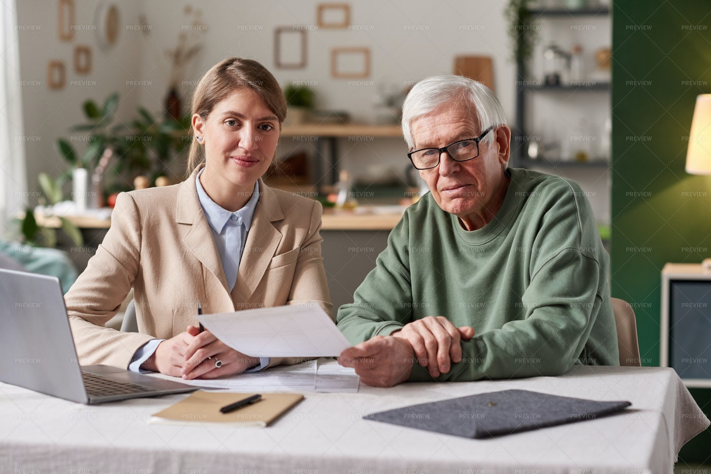 Business Meeting With Consultant: Stock Photos