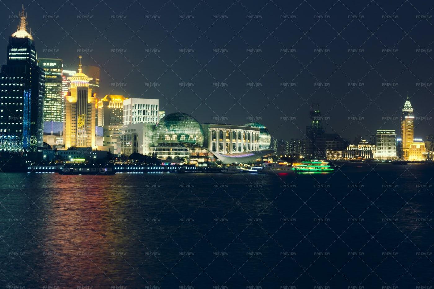 Shanghai Skyline At Nigh: Stock Photos