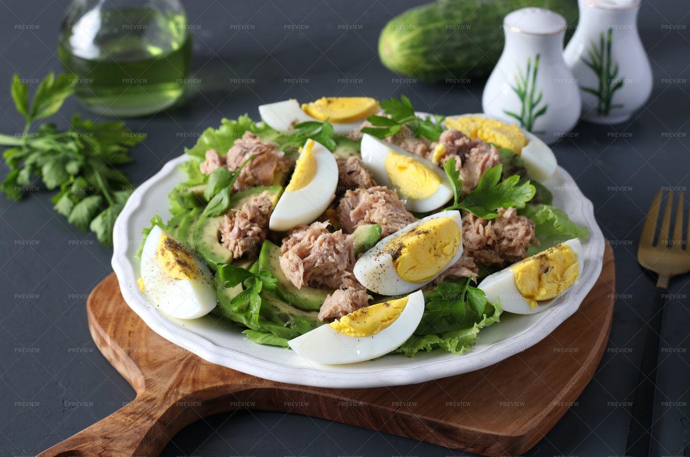 Salad With Avocado And Tuna: Stock Photos