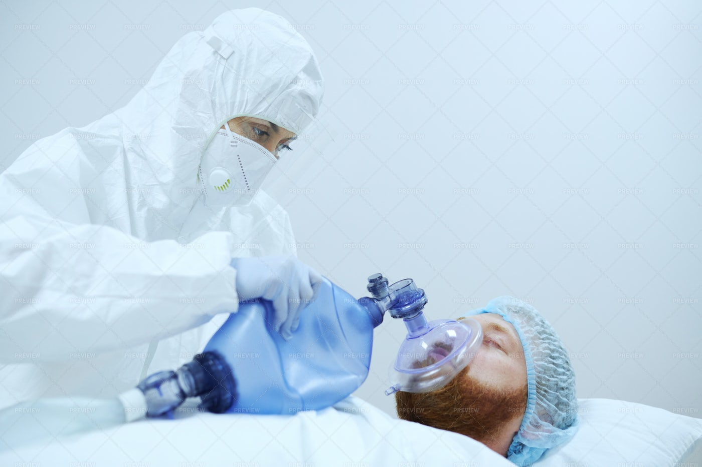 Giving First Medical Help In Hospital: Stock Photos