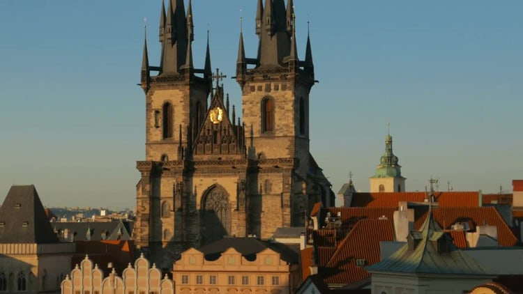 Sunset In Tyn, Prague: Stock Video